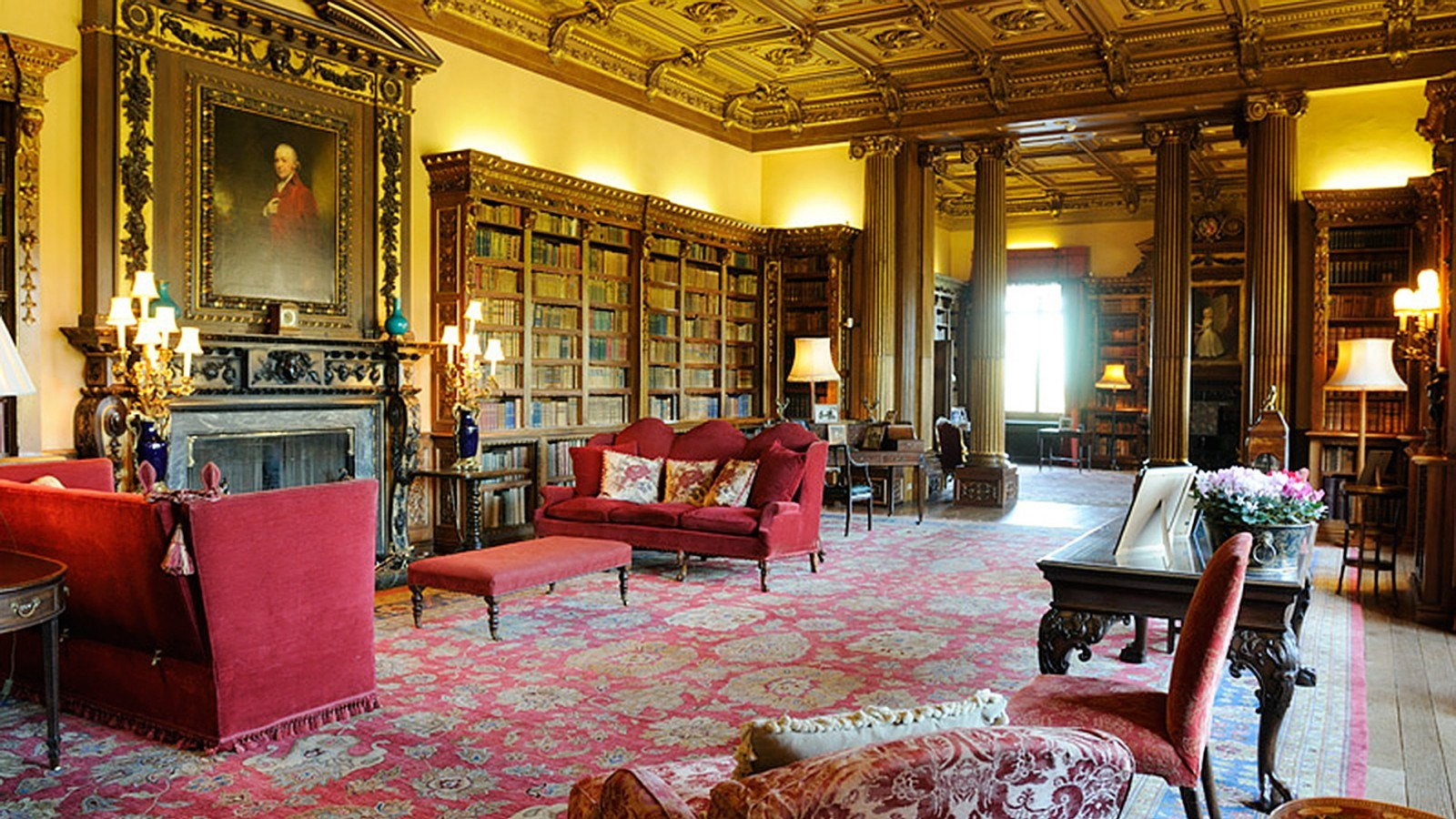 Highclere-Castle-Library.jpg