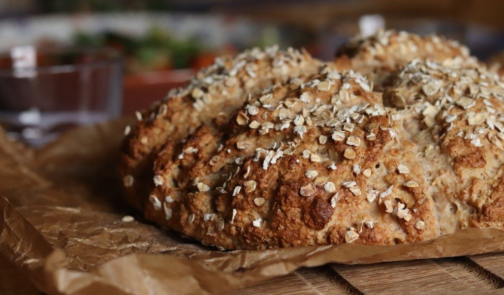 How to make soda bread, a traditional and easy recipe, no ...