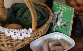 Pigs in Clover: a wartime ration recipe