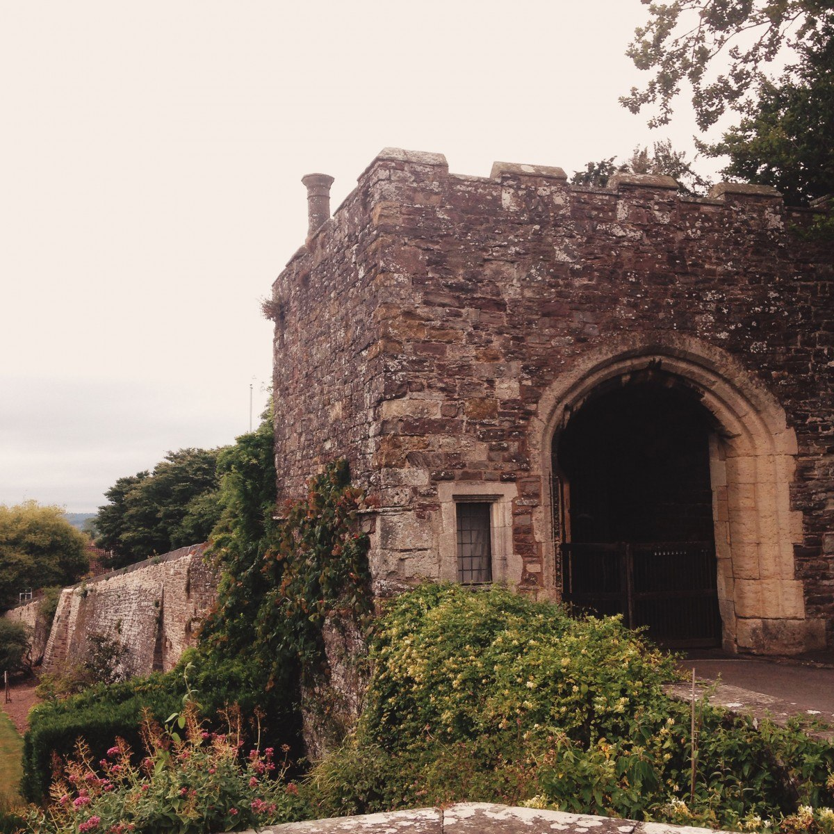 berkeley-castle-butress.jpg