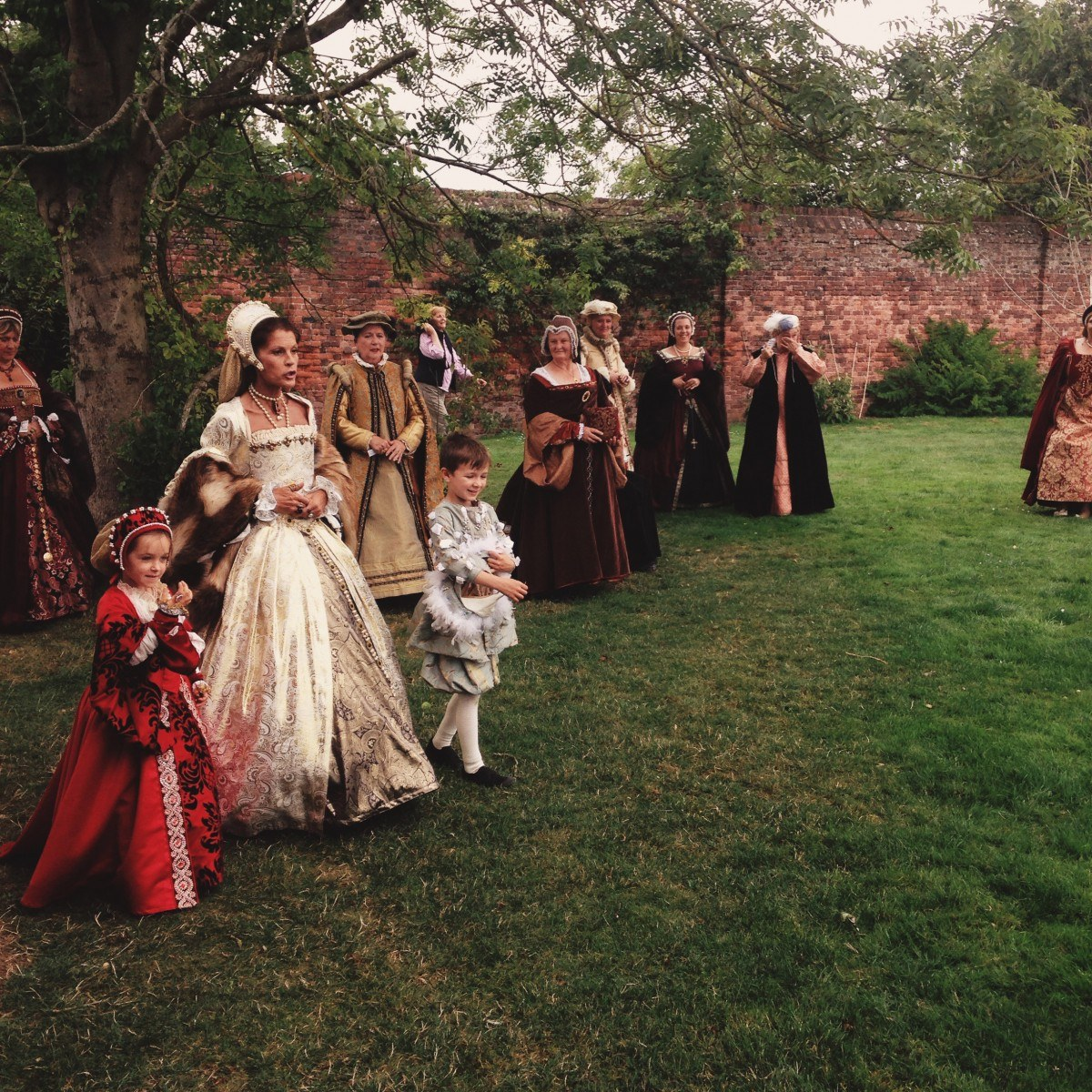 anne-boleyn-berkeley-castle-honeymoon.jpg