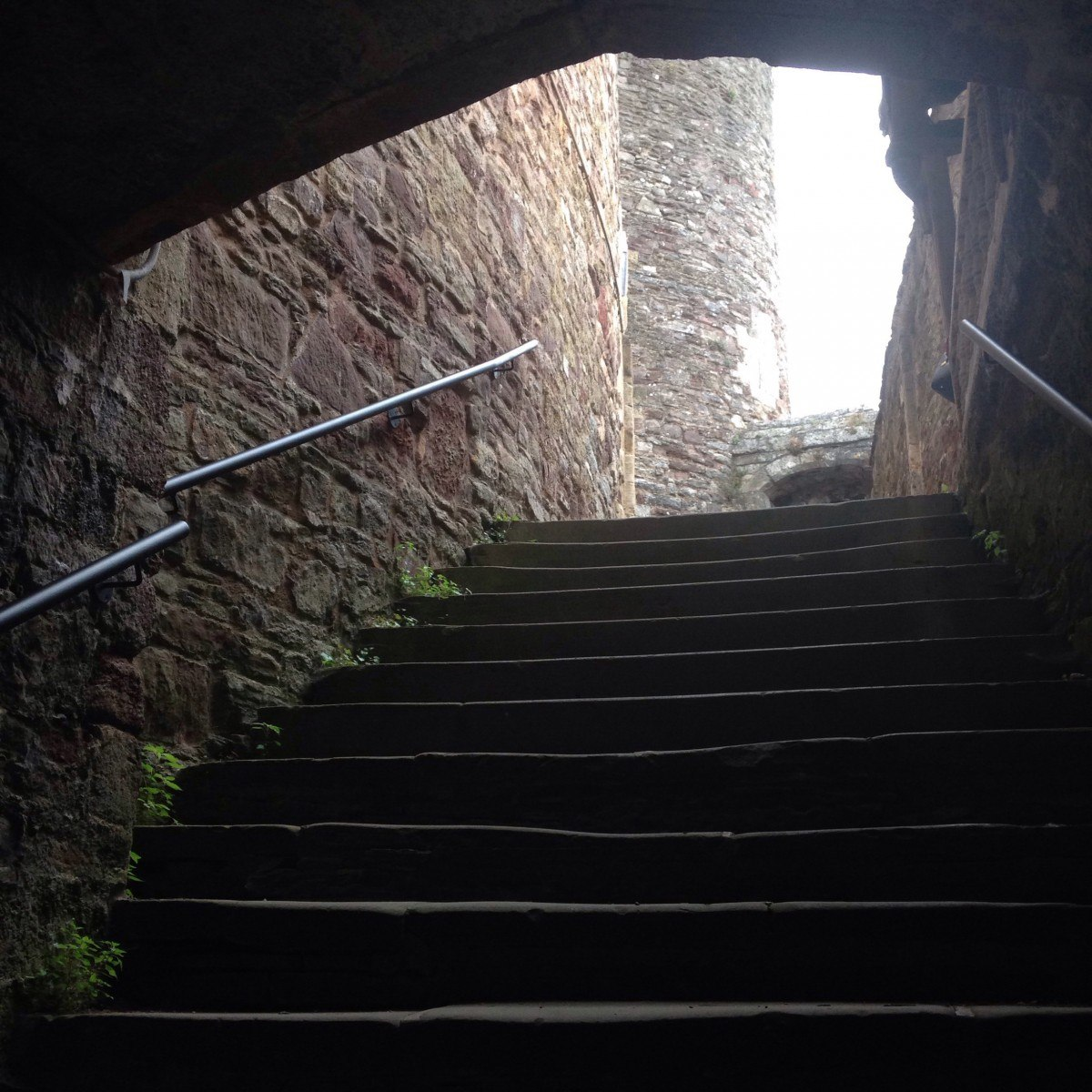 trip-steps-berkeley-castle.jpg